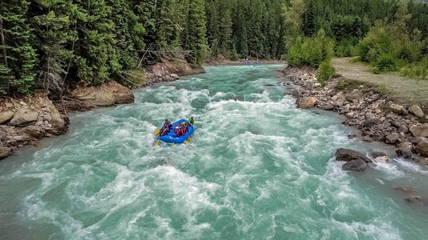 The Hydra Kicking Horse River Base: Raft in Luxury!