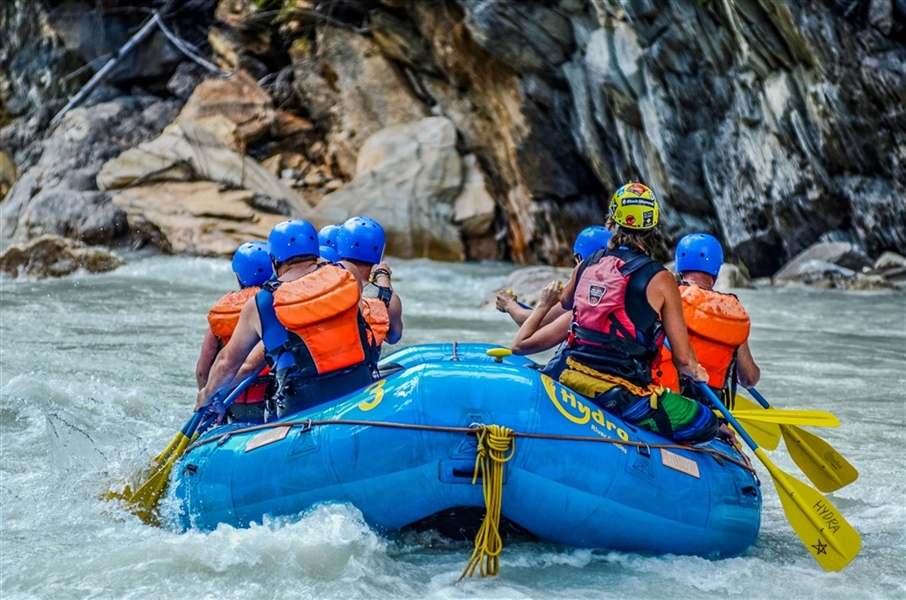 Take a Waltz Down the Kicking Horse with Hydra River Guides