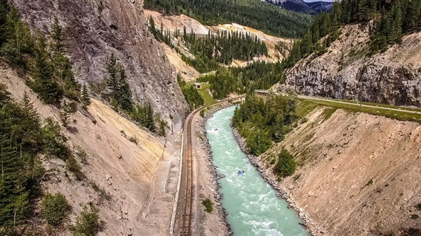 Conquer The Kicking Horse River With Hydra River Guides