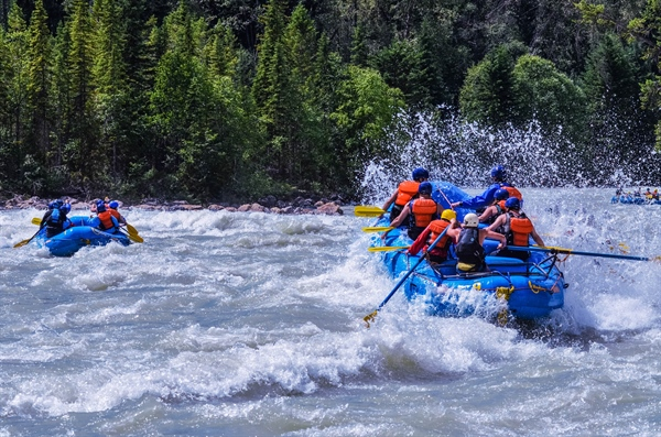 It's Time To Make A Splash! Whitewater Rafting With Hydra River Guides